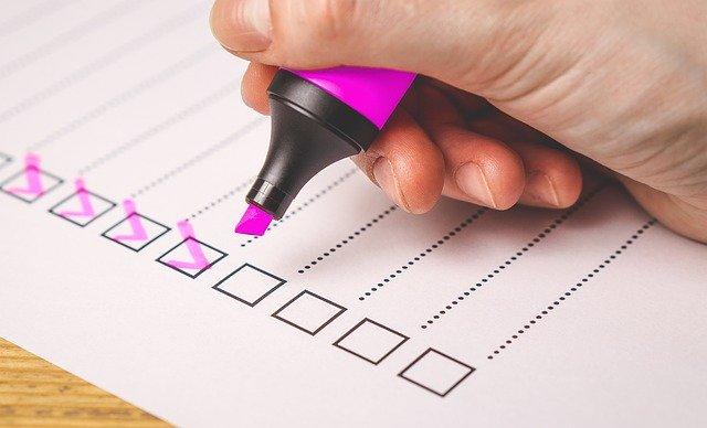 image of checklist representing fire door maintenance