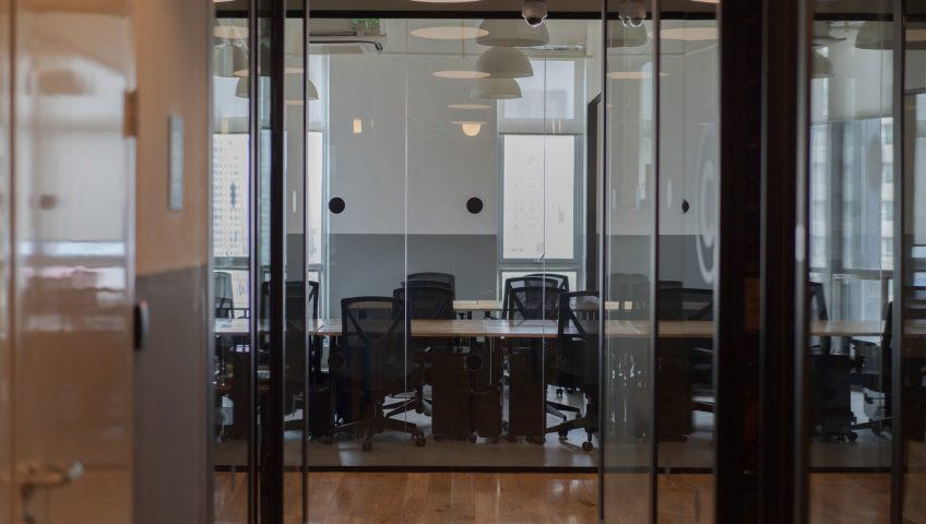 Pros and cons of sliding doors; glass sliding doors in the office